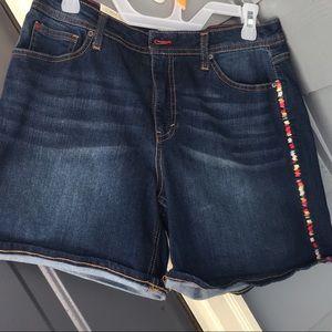 EV1 Shorts